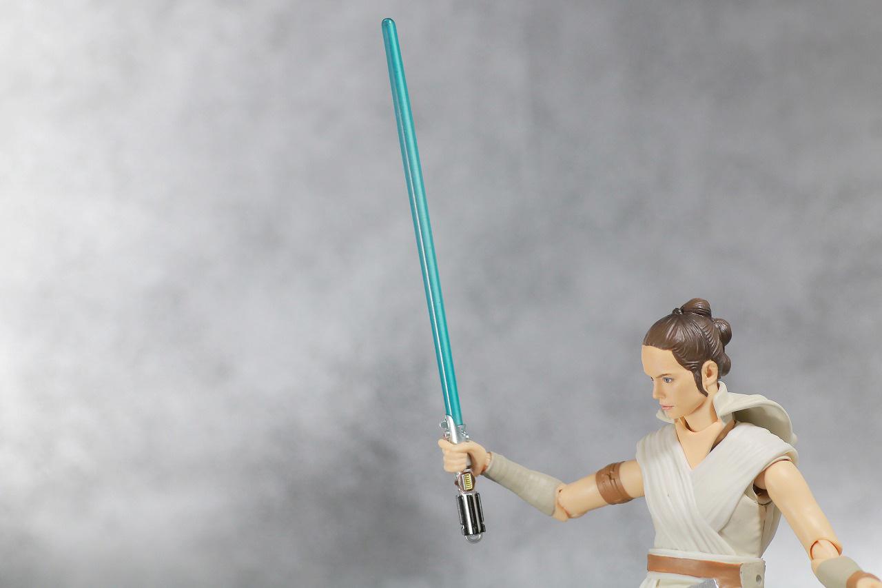 S.H.フィギュアーツ レイ (STAR WARS: The Rise of Skywalker) スカイウォーカーの夜明け レビュー 付属品 ライトセイバー