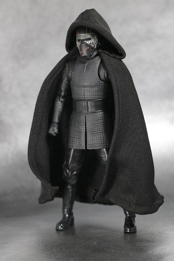 S.H.フィギュアーツ カイロ・レン (STAR WARS: The Rise of Skywalker) スカイウォーカーの夜明け レビュー 付属品 マント