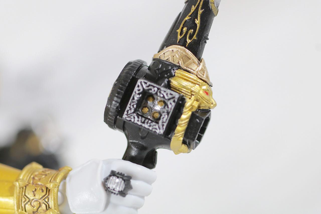 S.H.フィギュアーツ 仮面ライダービースト 真骨彫製法 レビュー 付属品 ダイスサーベル