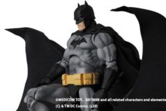 MAFEX新作!バットマン HUSH ブラック版が2021年1月に発売!ガーゴイル像特製台座付き!