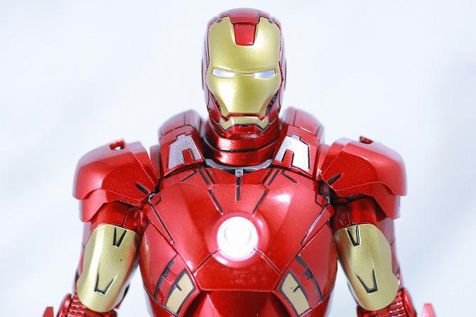 Comicave Studios コミケイブスタジオ アイアンマン マーク7 レビュー ライトアップ LED