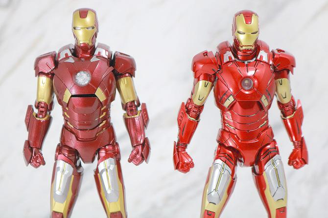 Comicave Studios コミケイブスタジオ アイアンマン マーク7 レビュー 全身 S.H.フィギュアーツ アイアンマン マーク7 比較