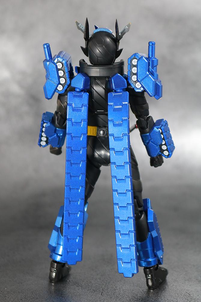 S.H.フィギュアーツ 仮面ライダービルド タンクタンクフォーム レビュー 全身