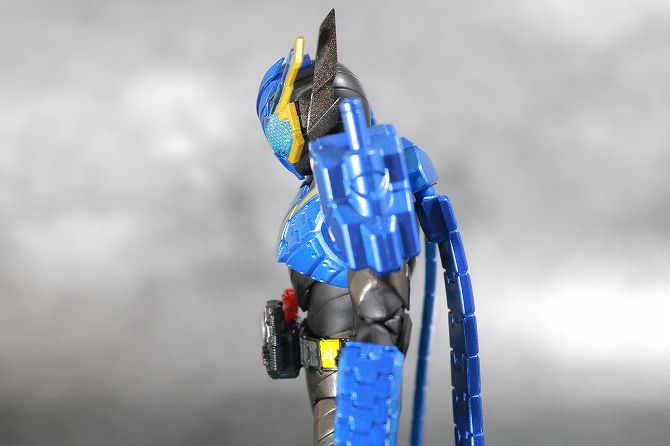 S.H.フィギュアーツ 仮面ライダービルド タンクタンクフォーム レビュー 可動範囲