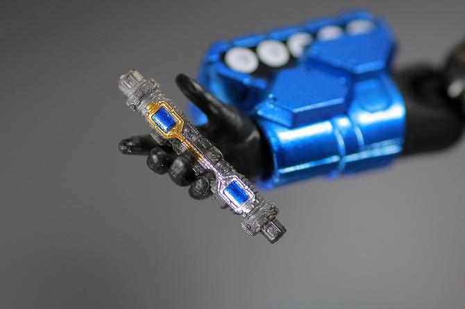 S.H.フィギュアーツ 仮面ライダービルド タンクタンクフォーム レビュー 付属品 ラビットタンクフルボトル