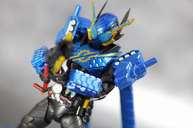 S.H.フィギュアーツ 仮面ライダービルド タンクタンクフォーム レビュー アクション