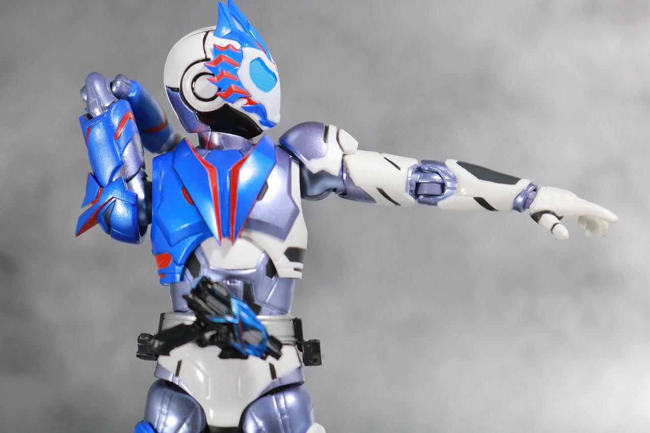 S.H.フィギュアーツ 仮面ライダーバルカン シューティングウルフ レビュー 可動範囲