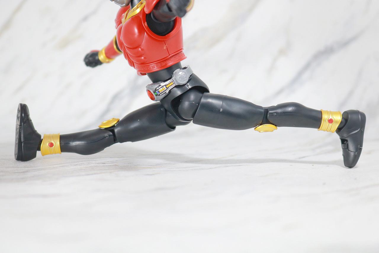 Figure-rise Standard 仮面ライダークウガ マイティフォーム レビュー 可動範囲