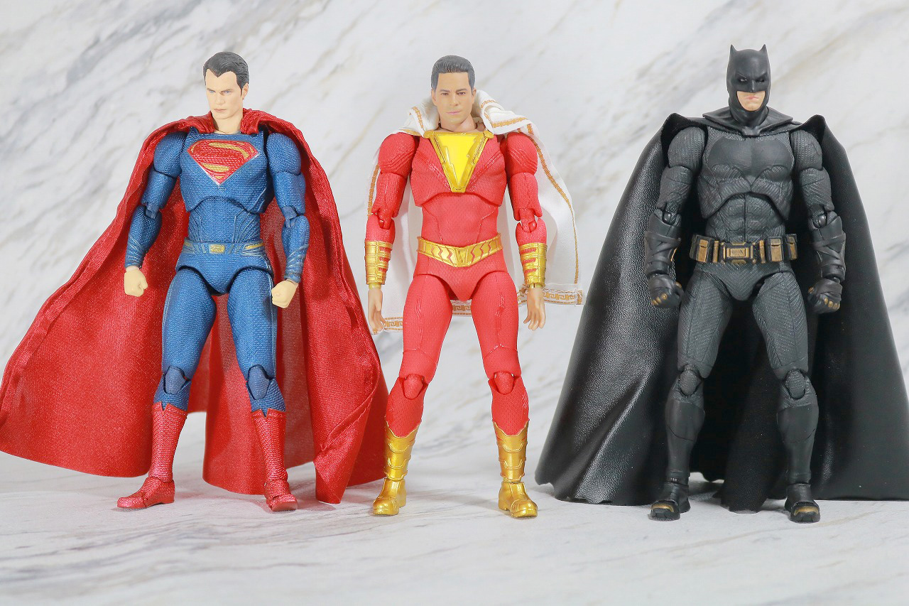 MAFEX シャザム レビュー 全身 スーパーマン バットマン ジャスティスリーグ 比較