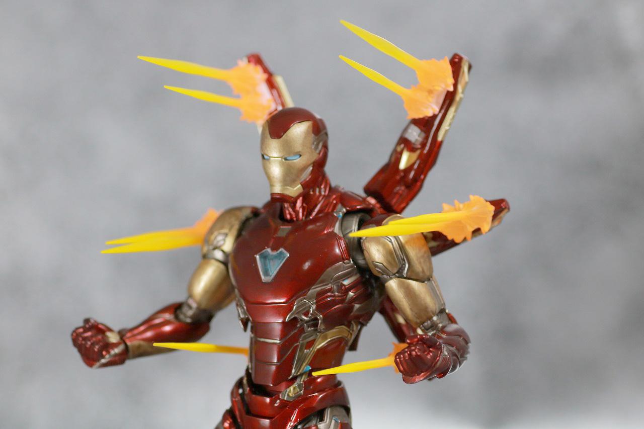 S.H.フィギュアーツ アイアンマン マーク85 FINAL BATTLE EDITION レビュー 付属品 ナノ・ライトニング・リフォーカサー用のエフェクトパーツ