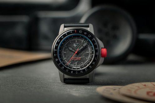 UNDONE新作腕時計は『スーパーマン』コラボ!クリプトン語の暗号解読ギミックも搭載