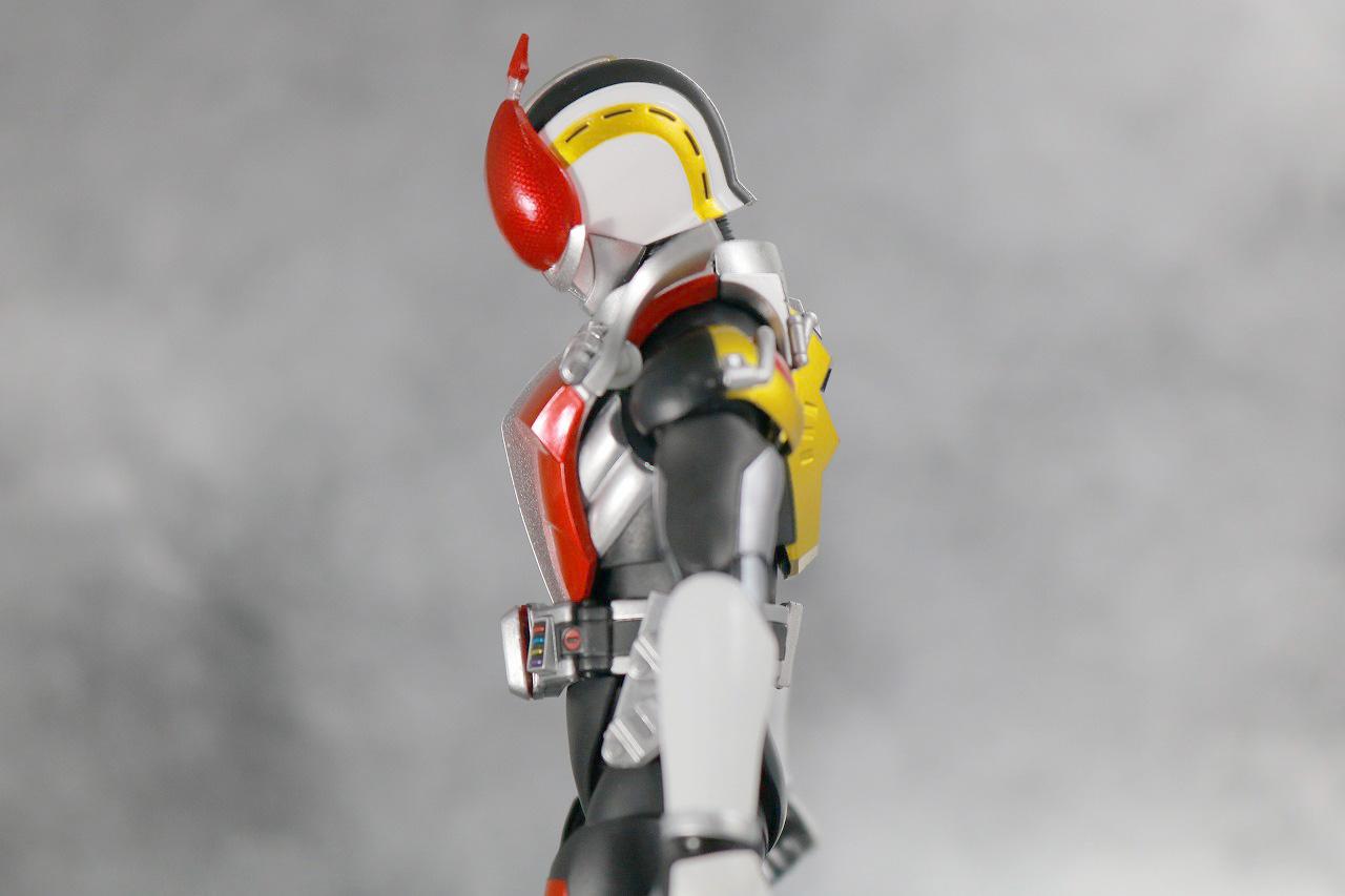 S.H.フィギュアーツ 仮面ライダー電王 ソードフォーム 真骨彫製法 レビュー 可動範囲