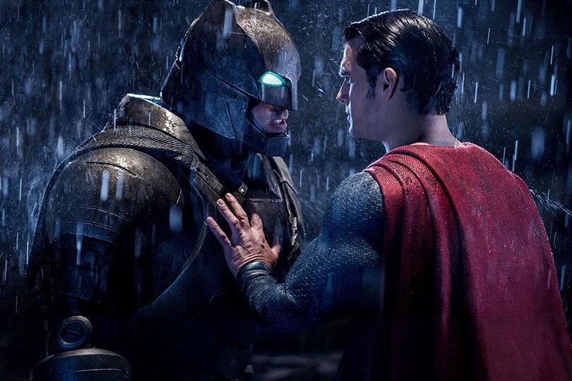 """『バットマンVSスーパーマン』、当初は脚本に""""バットマンの悪夢""""シーンは無かった! - 今後の展開のために用意"""