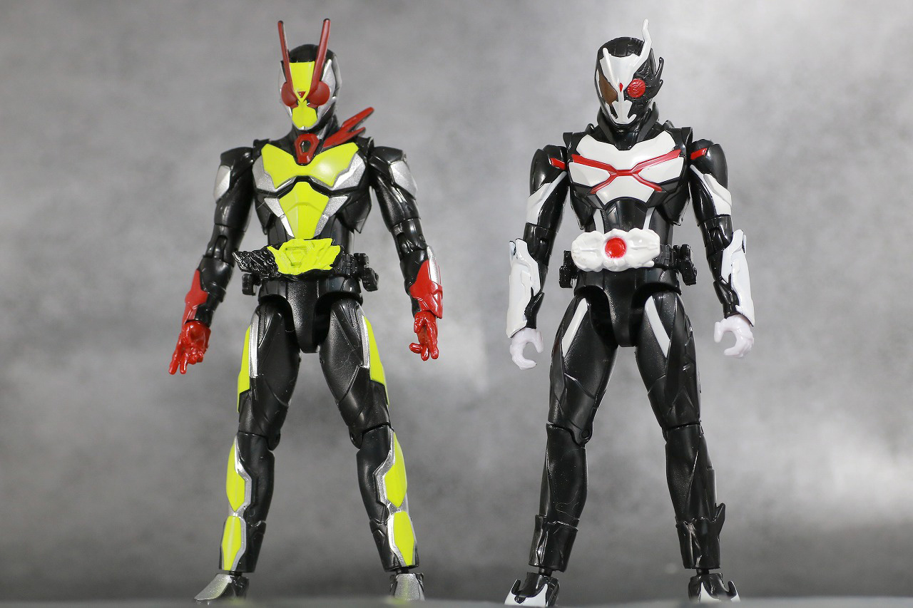 RKF 仮面ライダーアークワン シンギュライズセット レビュー 全身 仮面ライダーゼロツー 比較