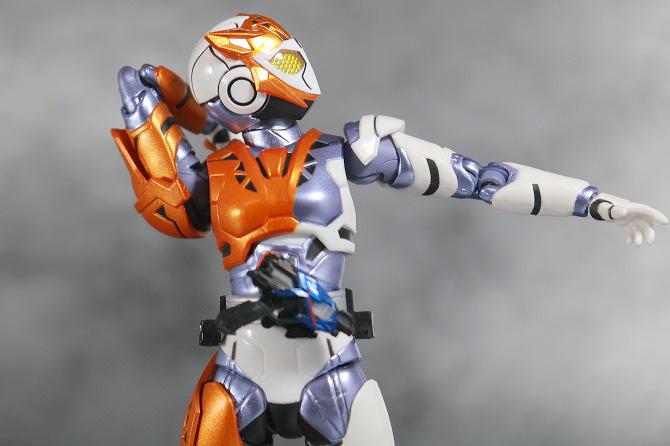 S.H.フィギュアーツ 仮面ライダーバルキリー ラッシングチーター レビュー 可動範囲