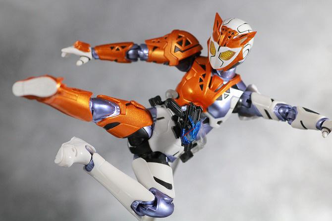 S.H.フィギュアーツ 仮面ライダーバルキリー ラッシングチーター レビュー