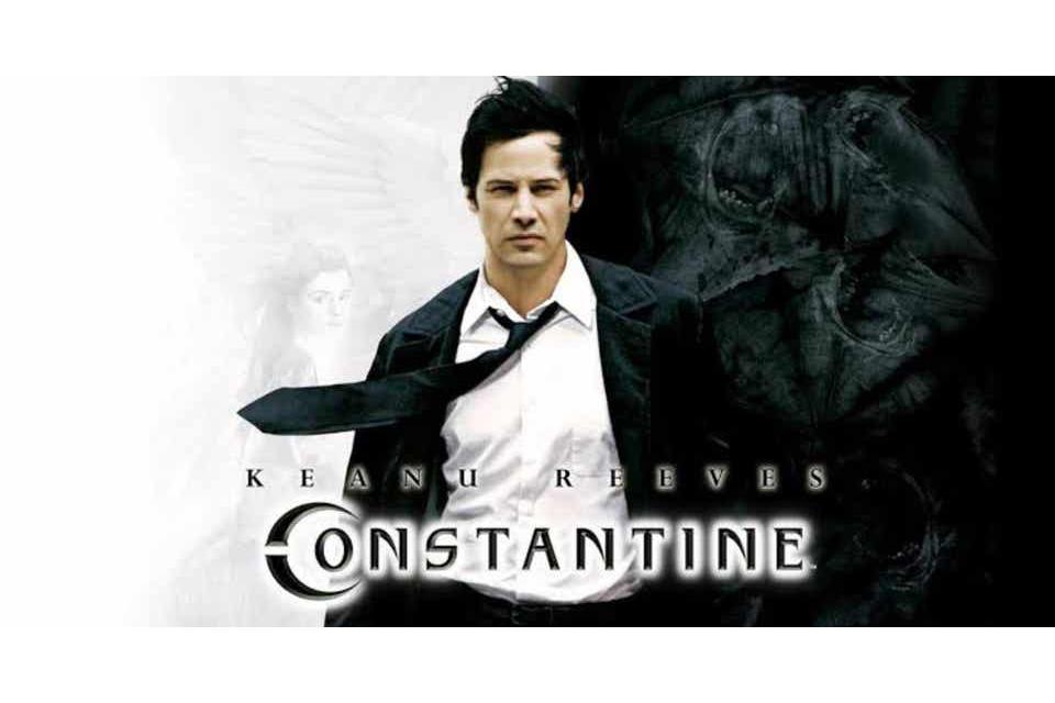 『コンスタンティン』幻の続編について明かされる - 映画でコートを着ない理由も