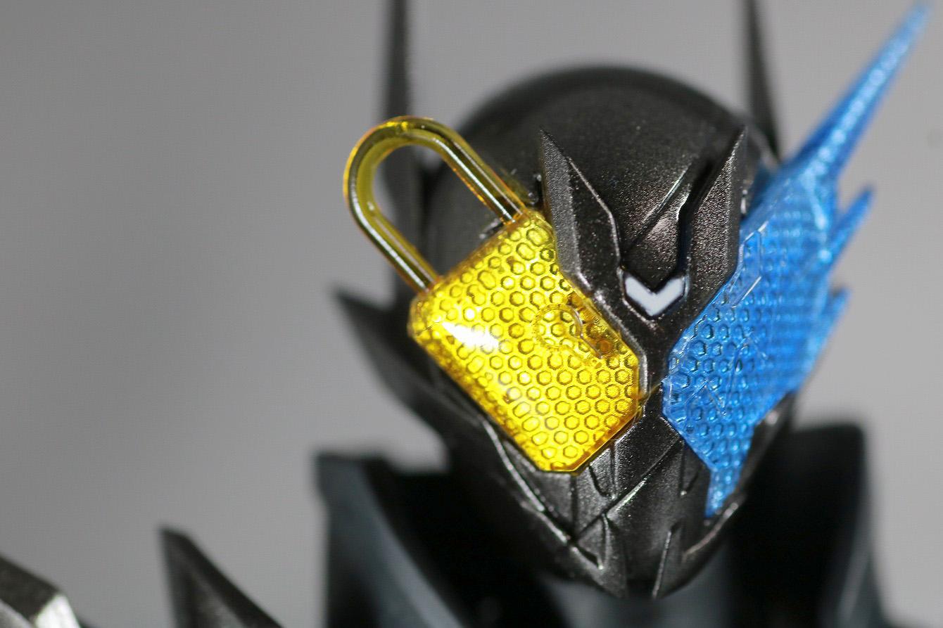S.H.フィギュアーツ 仮面ライダーメタルビルド レビュー 付属品 キードラゴン ハザードフォーム ヘッドパーツ