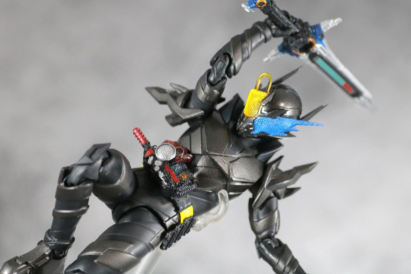 S.H.フィギュアーツ 仮面ライダーメタルビルド レビュー アクション 仮面ライダービルド キードラゴン ハザードフォーム