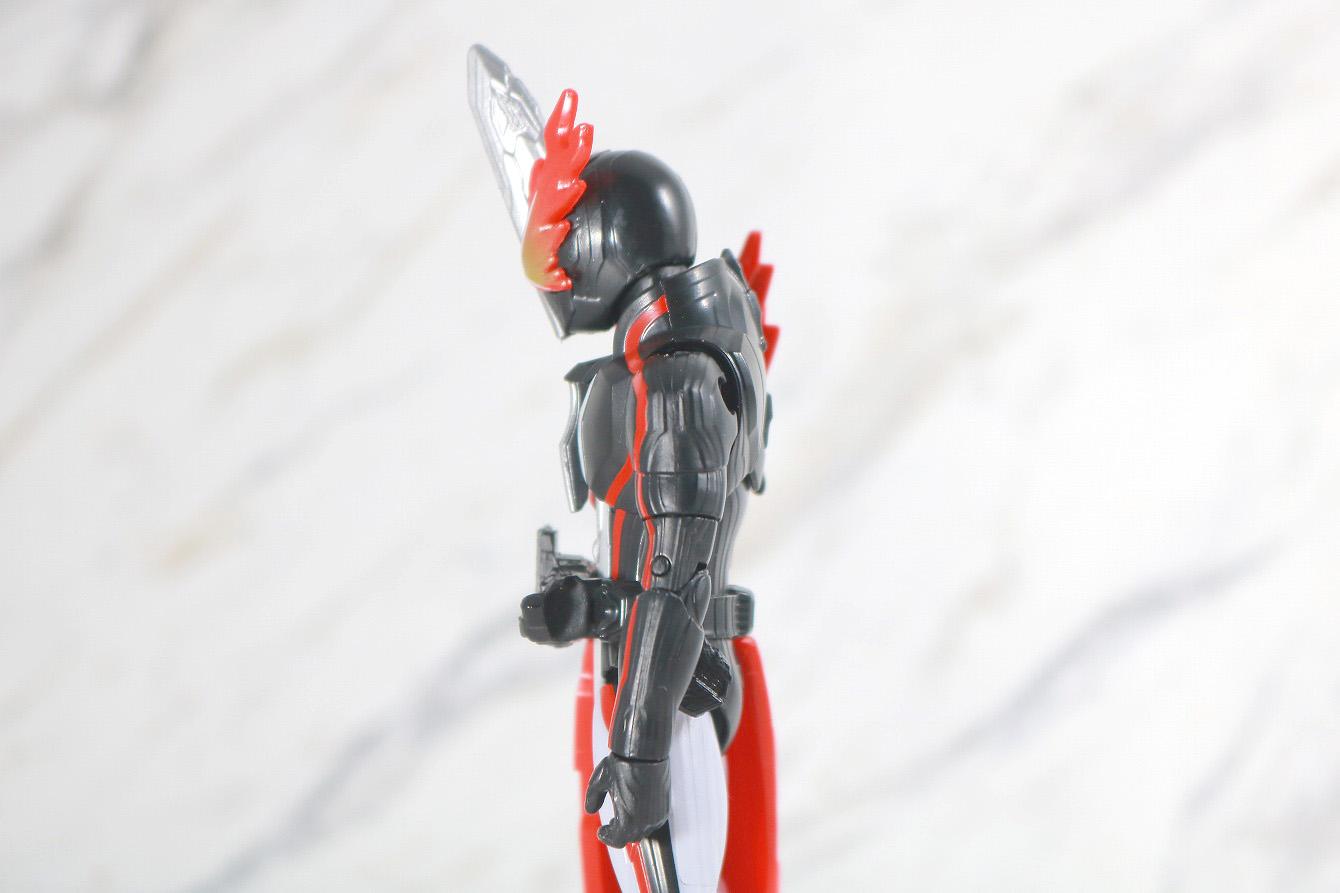 RKF 仮面ライダーセイバー ブレイブドラゴン レビュー 可動範囲