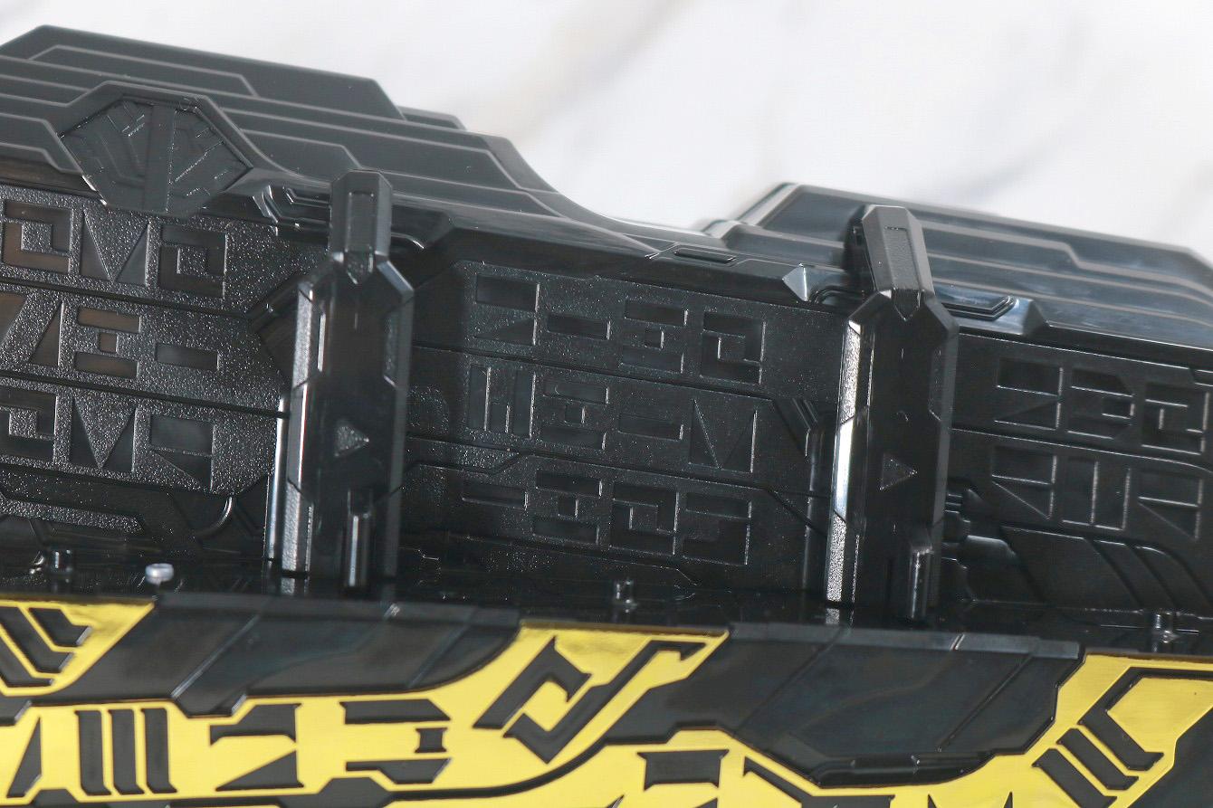 DX聖剣ソードライバー&水勢剣流水エンブレム&ライオン戦記ワンダーライドブック レビュー 本体