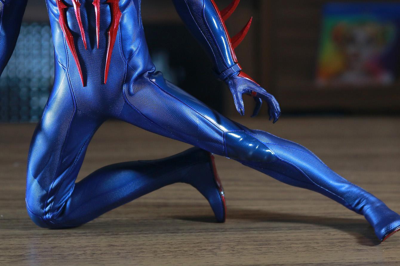 ホットトイズ ビデオゲームマスターピース スパイダーマン2099 レビュー 可動範囲 開脚