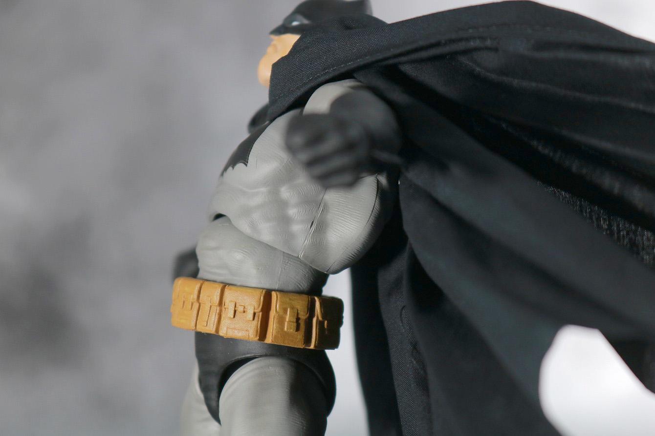 MAFEX バットマン(The Dark Knight Returns) レビュー 可動範囲 腰前可動