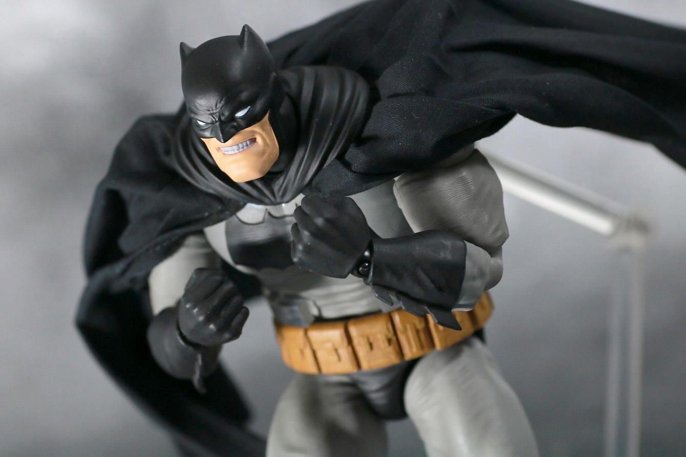 MAFEX バットマン(The Dark Knight Returns) レビュー アクション