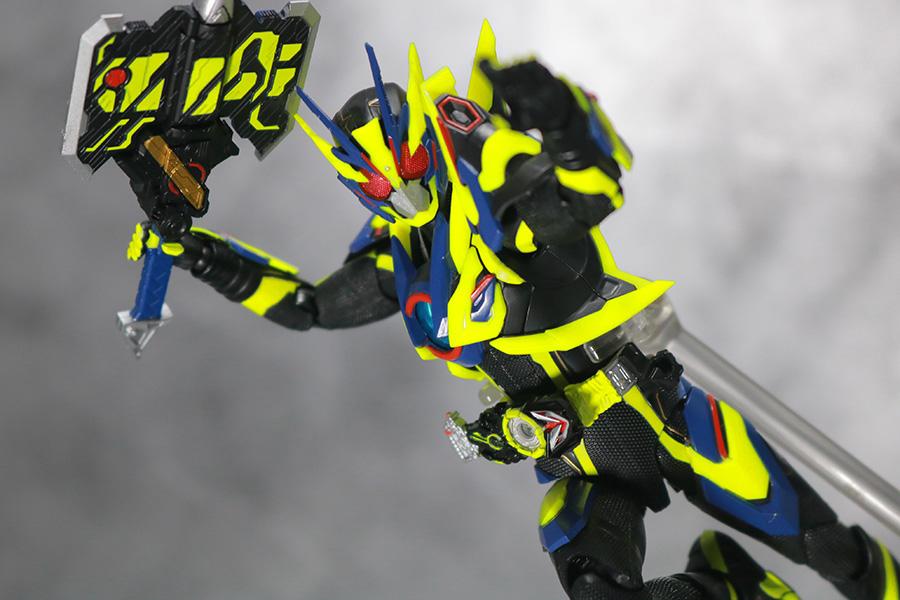 S.H.フィギュアーツ 仮面ライダーゼロワン シャイニングアサルトホッパー レビュー アクション