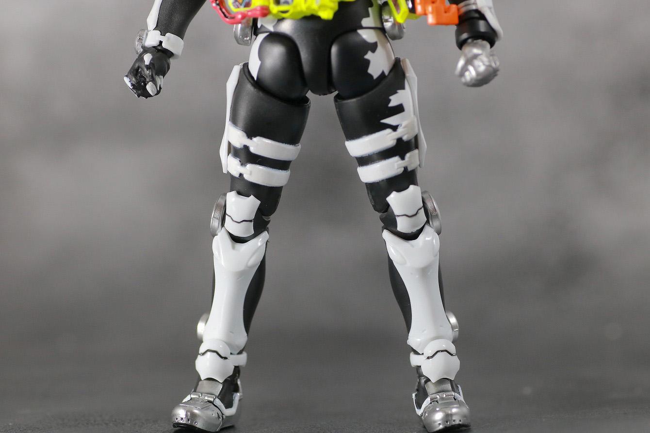 S.H.フィギュアーツ 仮面ライダーゲンム ゾンビアクションゲーマー レベルX-0 レビュー 本体