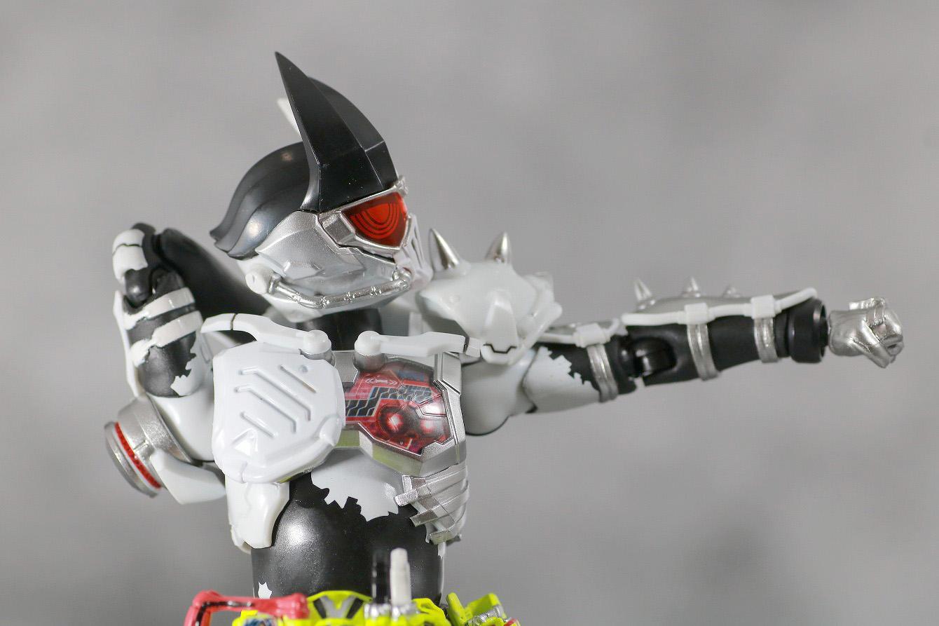 S.H.フィギュアーツ 仮面ライダーゲンム ゾンビアクションゲーマー レベルX-0 レビュー 可動範囲 首回転 肩可動