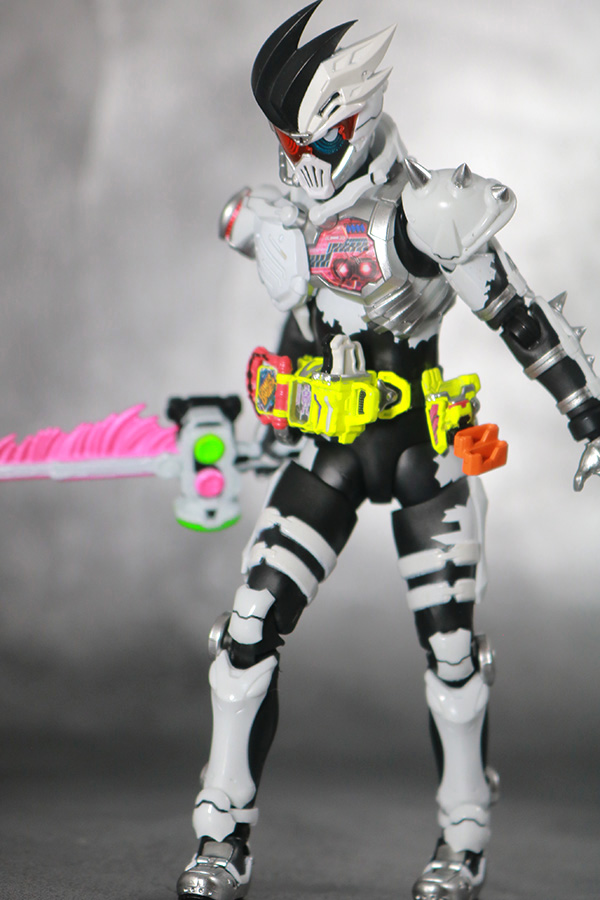 S.H.フィギュアーツ 仮面ライダーゲンム ゾンビアクションゲーマー レベルX-0 レビュー アクション