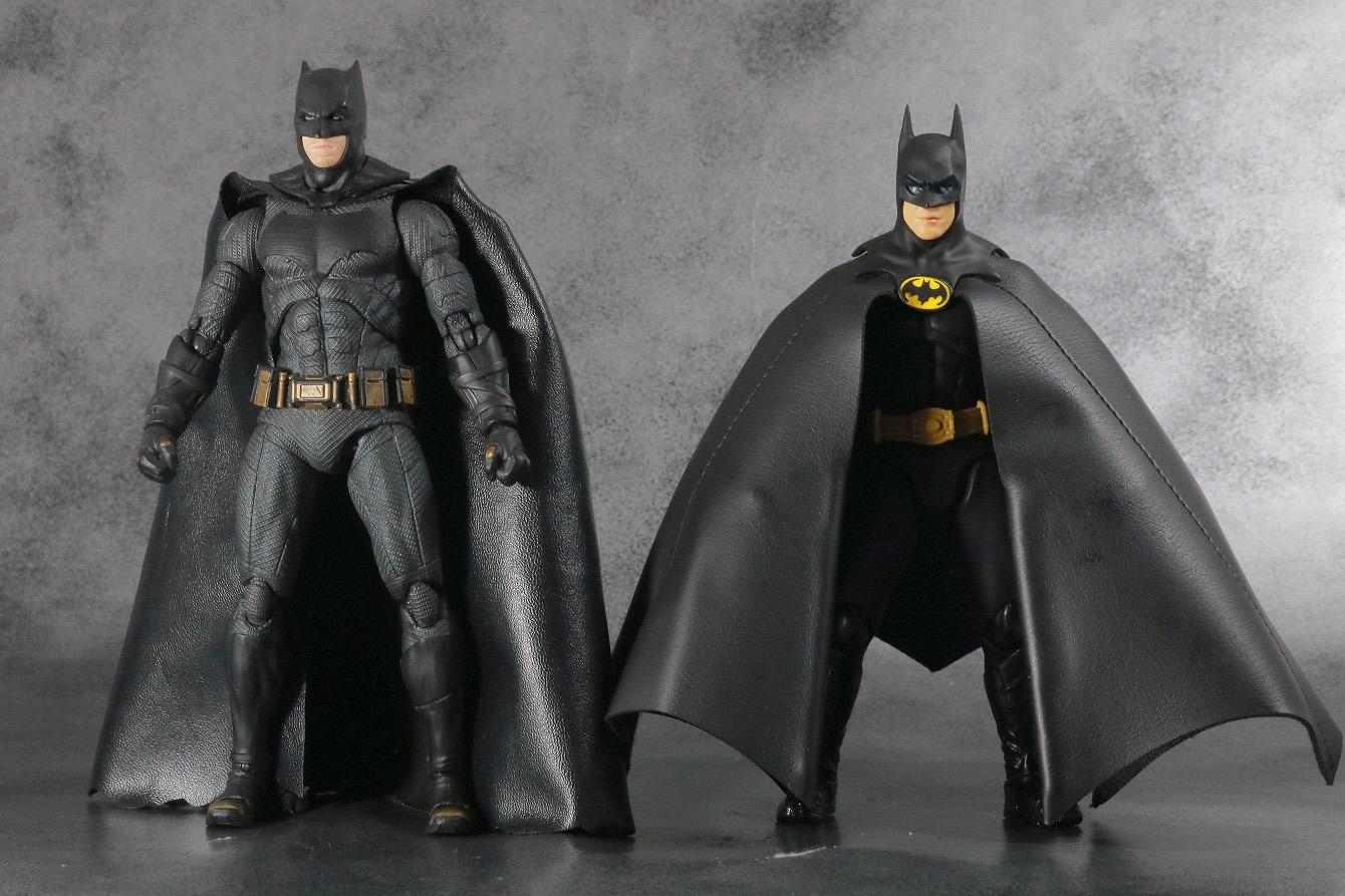S.H.フィギュアーツ バットマン 1989 レビュー 本体 MAFEX バットマン(ジャスティスリーグ) 比較