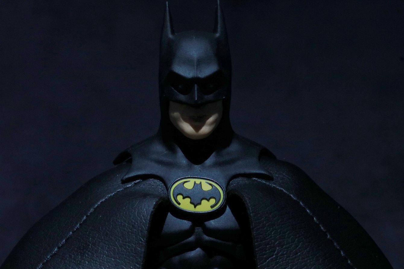 映画『フラッシュ』撮影セットで、キートン版バットマンの邸宅が目撃? ー ゴシック調の城をイメージ