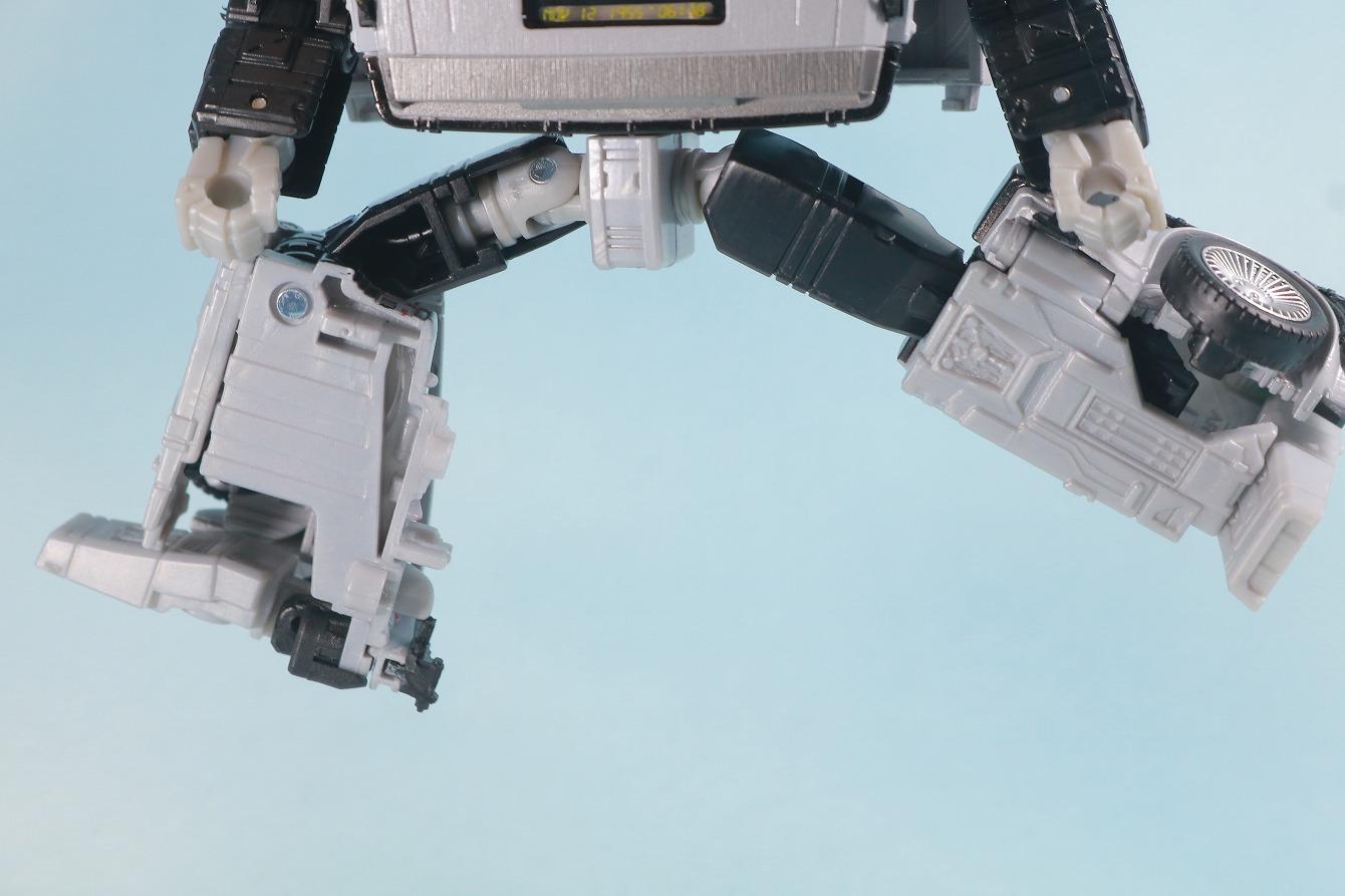 トランスフォーマー ギガワット デロリアン レビュー ロボットモード 可動範囲