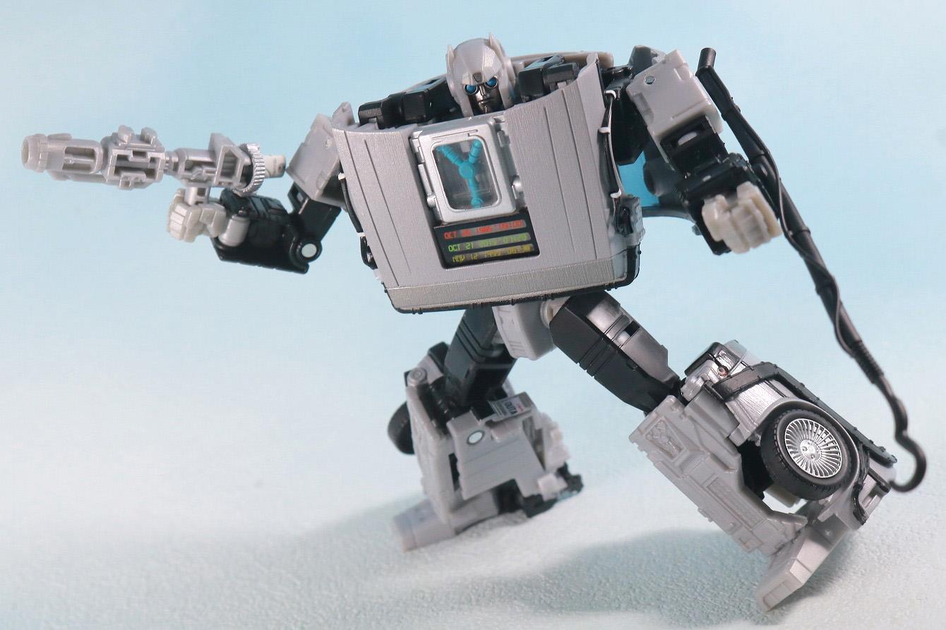 トランスフォーマー ギガワット デロリアン レビュー ロボットモード アクション