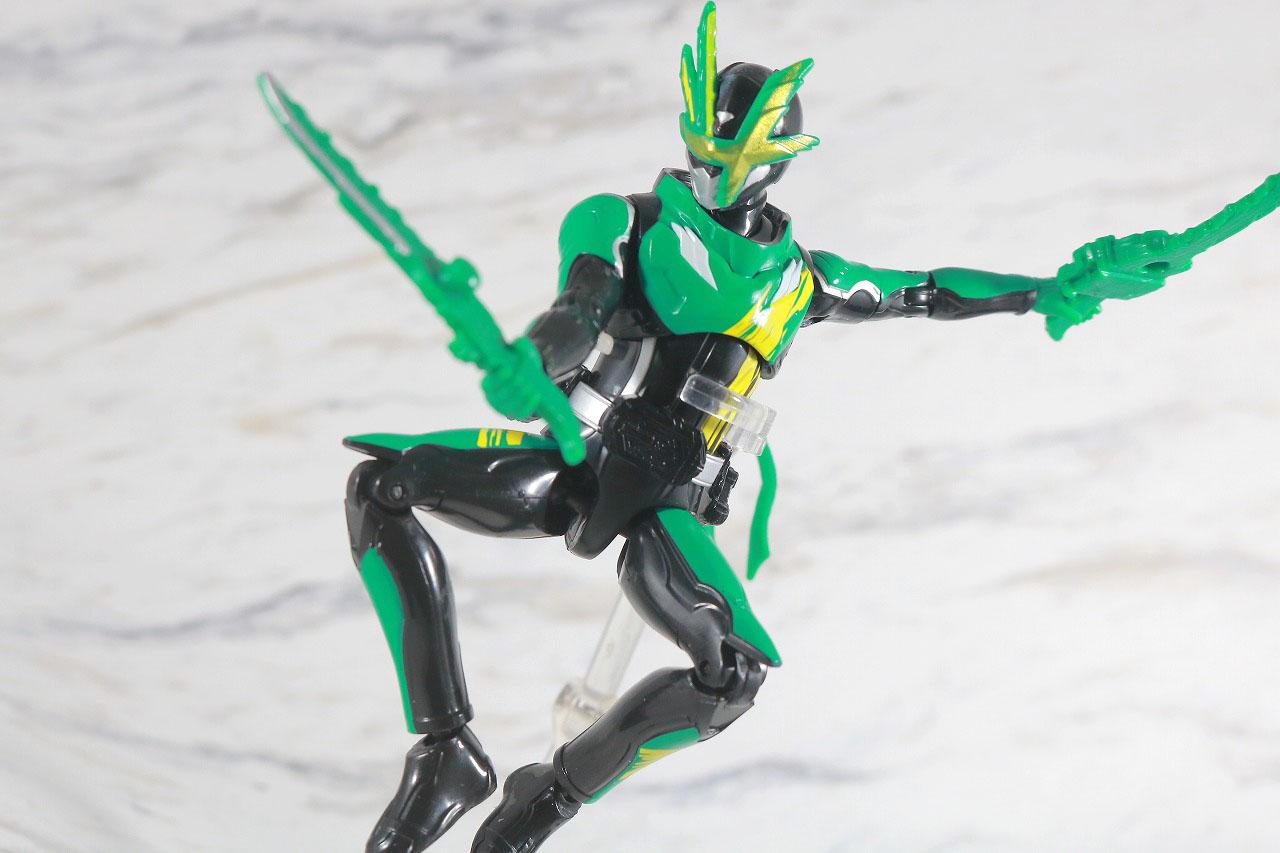 RKF 仮面ライダー剣斬 猿飛忍者伝&猿飛ぶた3フォームチェンジセット レビュー アクション