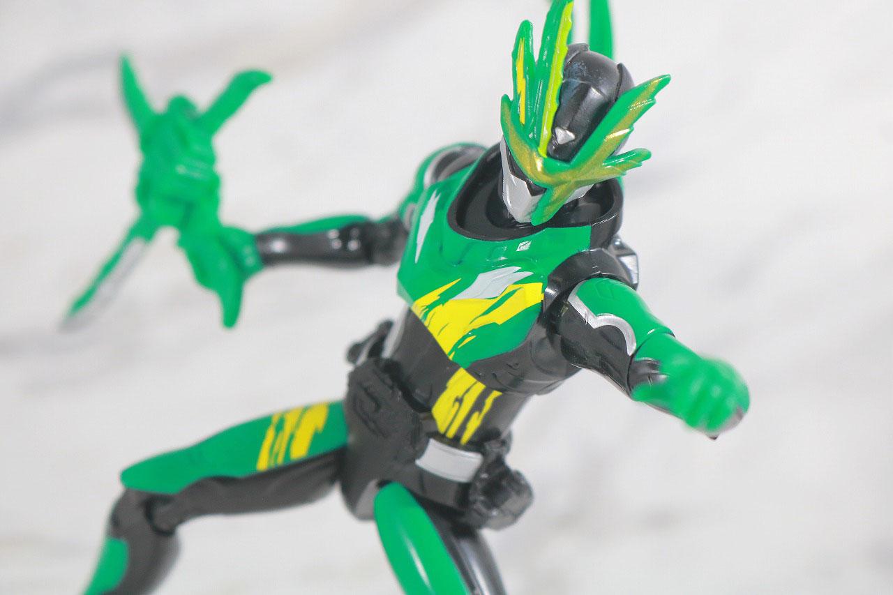 RKF 仮面ライダー剣斬 猿飛忍者伝&猿飛ぶた3フォームチェンジセット レビュー