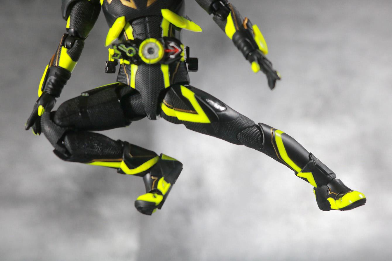 S.H.フィギュアーツ 仮面ライダーゼロワン シャイニングホッパー レビュー 可動範囲