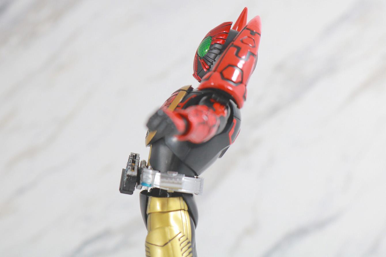 S.H.フィギュアーツ 仮面ライダーオーズ タマシーコンボ 真骨彫製法 レビュー 可動範囲