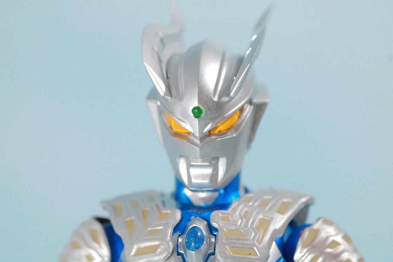 S.H.フィギュアーツ ウルトラマンゼロ 10th Anniversary スペシャルカラーVer. レビュー 本体