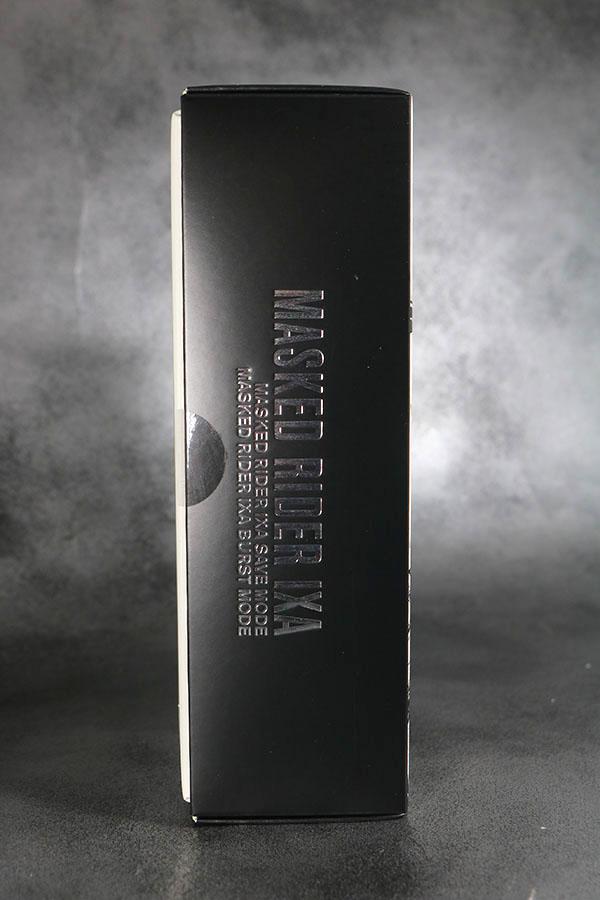S.H.フィギュアーツ 仮面ライダーイクサ 真骨彫製法 セーブモード/バーストモード パッケージ