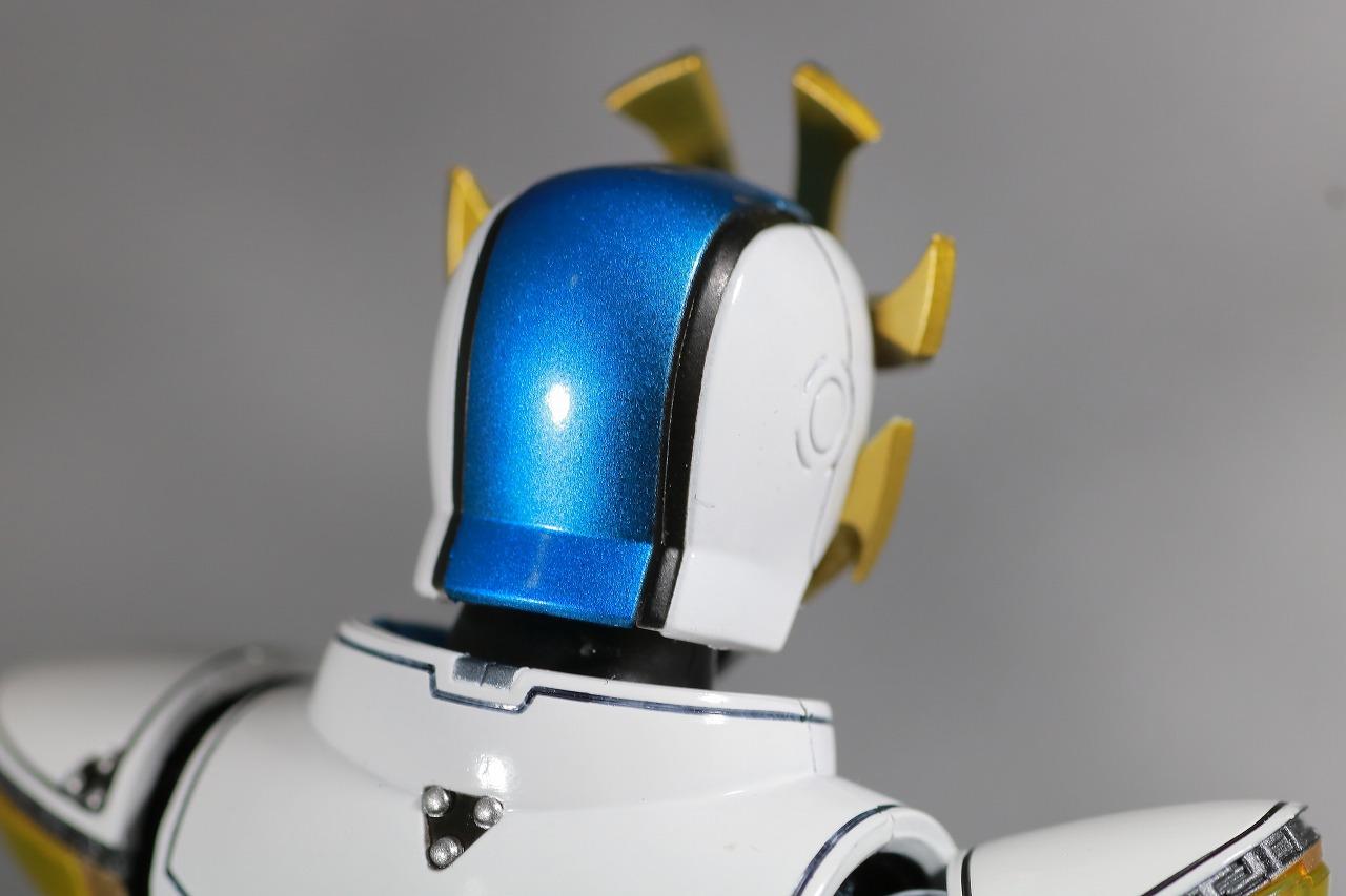 S.H.フィギュアーツ 仮面ライダーイクサ 真骨彫製法 レビュー 付属品 バーストモード ヘッド