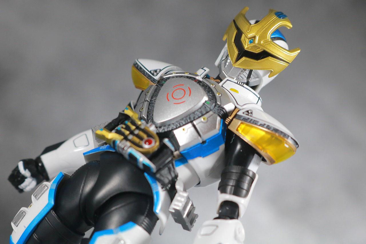 S.H.フィギュアーツ 仮面ライダーイクサ 真骨彫製法 レビュー アクション セーブモード