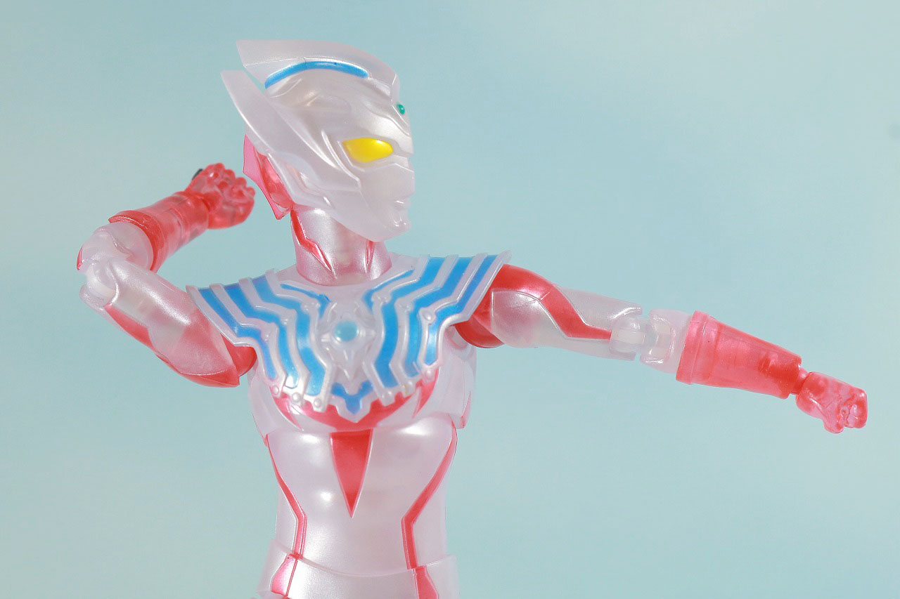 S.H.フィギュアーツ ウルトラマンタイガ Special Clear Color Ver. レビュー 可動範囲