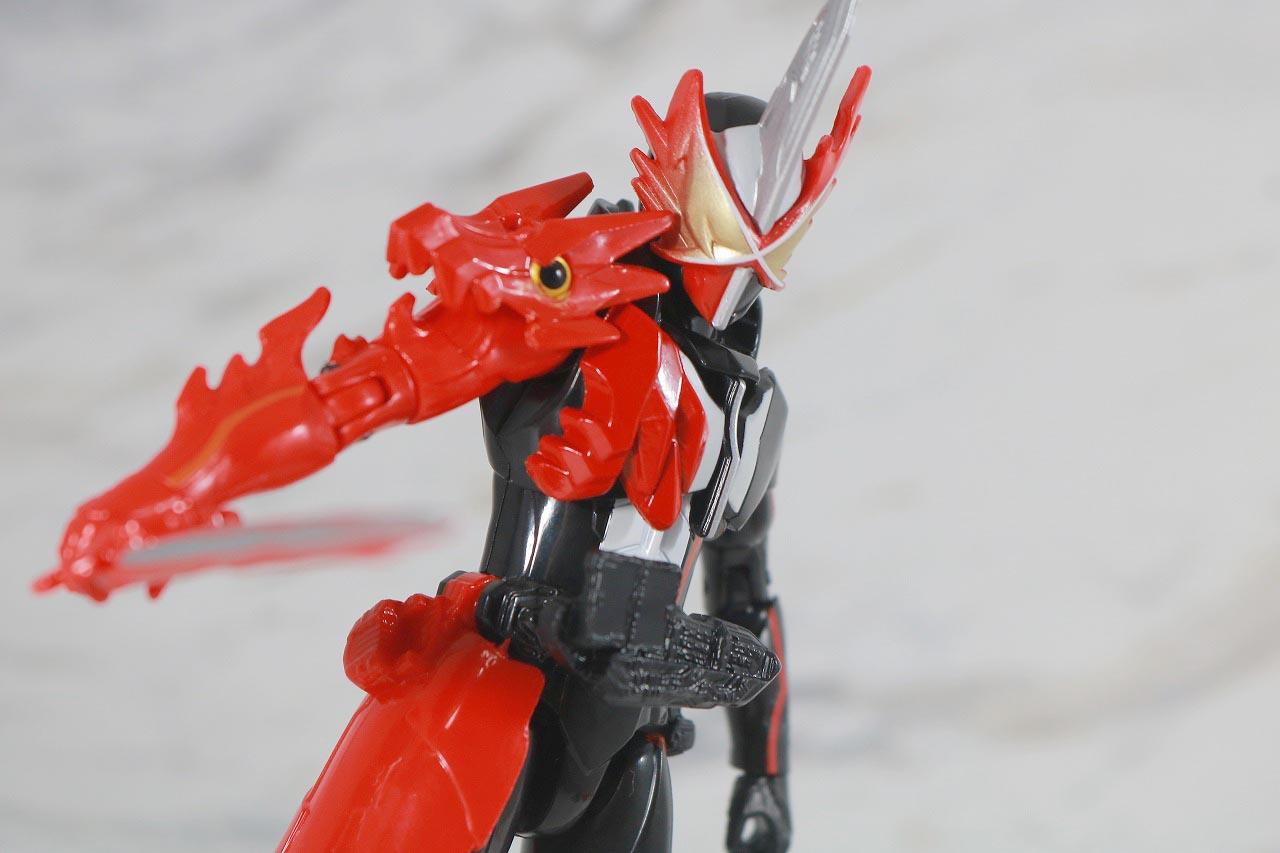 RKF 仮面ライダーセイバー ドラゴニックナイト&ワンダーコンボセット レビュー ブレイブドラゴン アクション