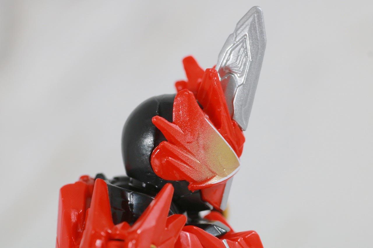 RKF 仮面ライダーセイバー ドラゴニックナイト&ワンダーコンボセット レビュー 本体 クリムゾンドラゴン
