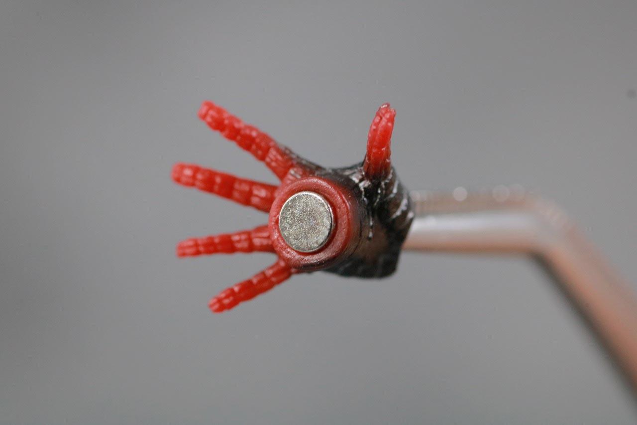 MAFEX スパイダーマン マイルス・モラレス スパイダーバース レビュー 付属品 磁石 手首