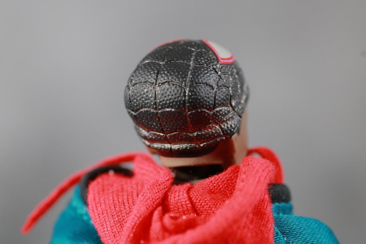 MAFEX スパイダーマン マイルス・モラレス スパイダーバース レビュー 付属品 素顔ヘッド