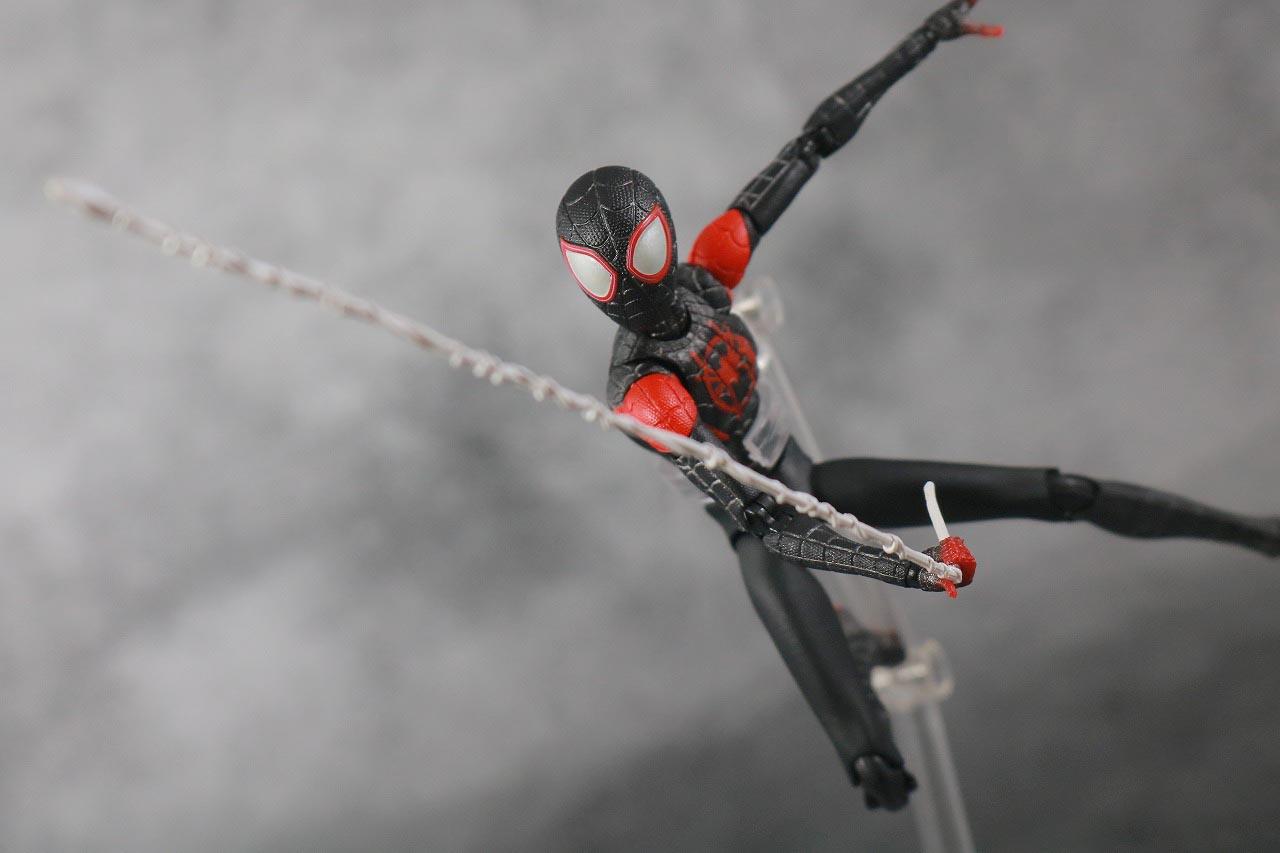 MAFEX スパイダーマン マイルス・モラレス スパイダーバース レビュー アクション